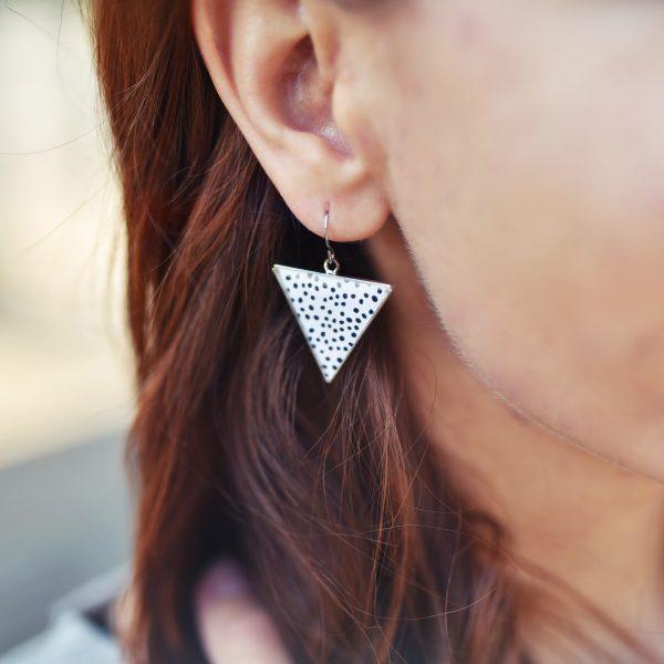 Náušnice triangle puntíky