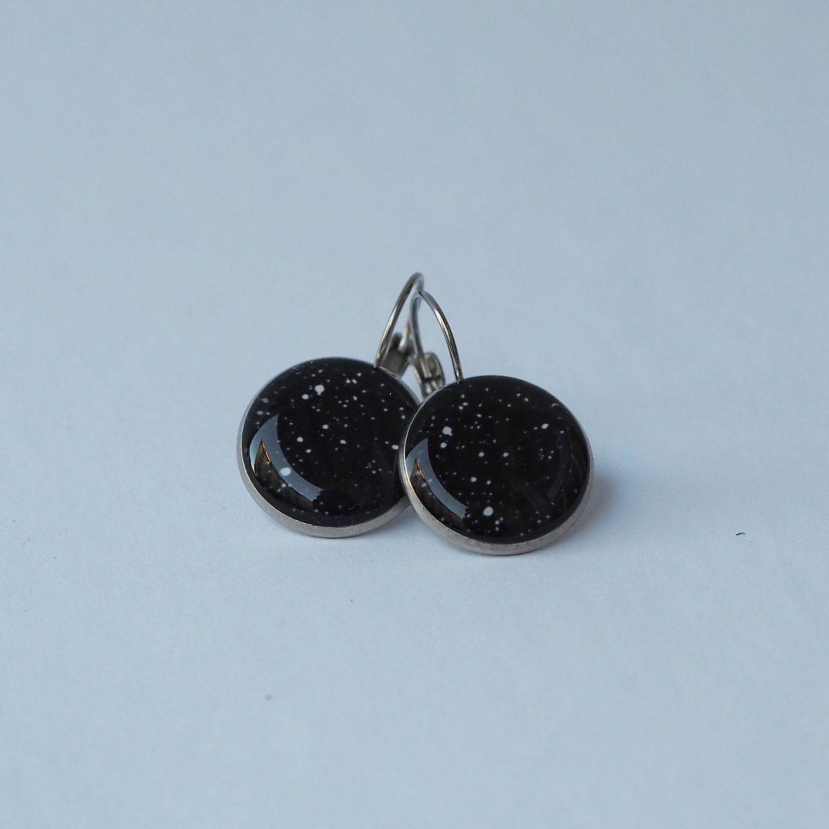 Náušnice černé s puntíky